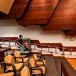 Rollstuhl Plattformlift Tagungssaal
